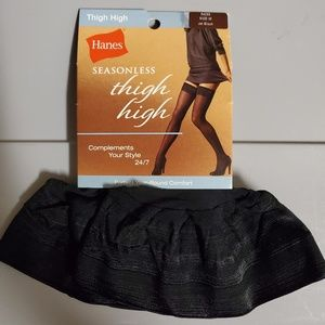 NWT Hanes thigh high socks size M